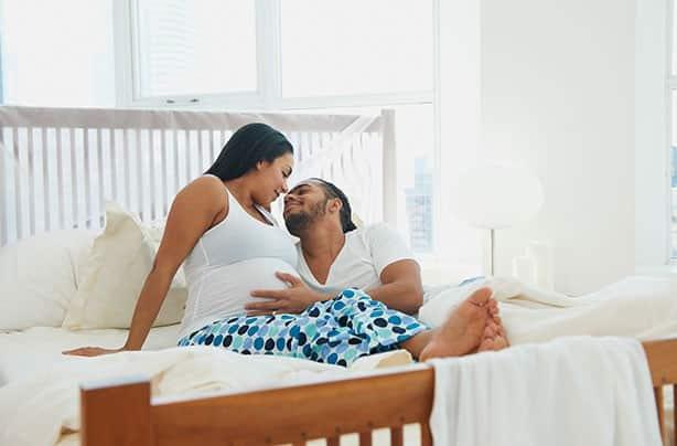 Eindeloze opwinding of volledige onthouding? Seks tijdens en na je zwangerschap!